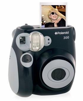 Ge bort en rolig polaroidkamera